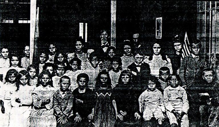 Fundación del Colegio Americano (1896)